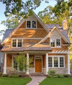 Rustic Cottage House Exterior Design Ideas To Copy 19 Cottage Living, Cottage Homes, Style At Home, Plans Architecture, Architecture Design, Cottage Exterior, Exterior Homes, Exterior Siding, Cute House
