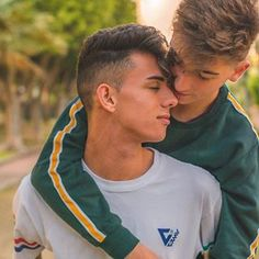 Cute Gay Couples, Cute Couples Goals, Couples In Love, Gay Lindo, Gay Cuddles, Tumblr Gay, Gay Aesthetic, Style Masculin, Lgbt Love