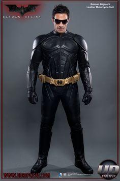 5e27ede8664b02 Batman Begins™ Movie Replica Motorcycle Suit Image 1 Batman Cosplay