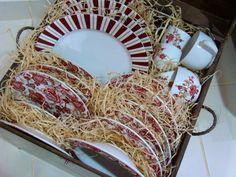 passeio-porto-ferreira-cidade-ceramica-monta-encanta1 Coconut Flakes, Spices, Interior, Home Decor, House Decor Shop, Home Decor Accessories, Red Plates, Ceramic Tableware, Tablescapes