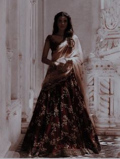Indian Fashion Dresses, Indian Designer Outfits, India Fashion, Fashion Outfits, Pakistani Outfits, Indian Outfits, Indian Bridal Photos, Indian Aesthetic, Indian Photoshoot