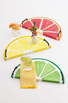 Citrus Fruit Serving Trays - an easy DIY, and perfect craft for celebrating summer!