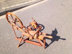 Altes Spinnrad von 1948 aus Erbschaft, Holz, super Deko in Niedersachsen - Burgwedel | Kunst und Antiquitäten gebraucht kaufen | eBay Kleinanzeigen