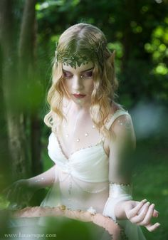 Lunaesque Creative Photography - The Time Of The Elves forest maiden, fantasy… Fantasy Photography, Creative Photography, Conceptual Photography, Fantasy Inspiration, Character Inspiration, Writing Inspiration, Fantasy World, Fantasy Art, High Fantasy
