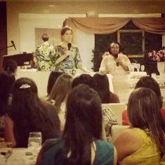 Pastora Camila #Lycurgo (MDFé - Ministério Defesa da #Fé) e a missionária TG Desta (EUA) no Chá de #Mulheres do Defesa da Fé. - Uma Tarde na Presença do #Rei.  Pastor Camila Lycurgo (Defense of #Faith Ministries) and missionary TG Desta at the Defense of Faith Ministries #Ladies #Meeting - An Afternoon in the #King's Presence