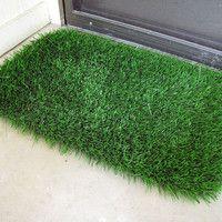 Grass Door Mat -- Only real grass would be better ; & Dollar Store DIY.Make a door mat | Fake grass Door mats and Dollar ...