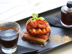 Here are the best breakfasts Melbourne has to offer. Our guide to experiencing brunch Melbourne style includes popular Melbourne cafes like Top Paddock, the Kettle Black and much more. Melbourne Brunch, Eat Breakfast, Beans, Restaurant, Ethnic Recipes, Food, Diner Restaurant, Essen, Restaurants