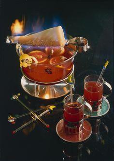 Unser beliebtes Rezept für Feuerzangenbowle und mehr als 55.000 weitere kostenlose Rezepte auf LECKER.de.
