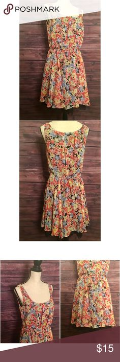 """Floral Lace Dress The perfect summer/spring dress. Floral design with lace detail underneath. Side zipper with a tear on the inside. Doesn't mess with the function of the dress. Dress form measurements: Chest 34"""" x Shoulders 36"""" x Waist 27"""" x Hips 36.5"""" x Neck 12.5"""" Betsey Johnson Dresses Midi"""