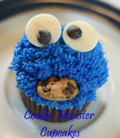 These Cookie Monster cupcakes are utterly adorable! They also look relatively simple to make. Win/Win!