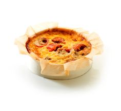 Quiche Mediterranean Goat Cheese, Camembert Cheese, Quiches, Fresh Vegetables, Catering, Bacon, Food, Catering Business, Gastronomia