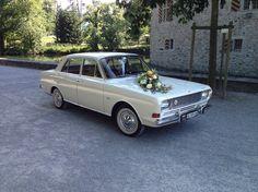 Diesen Retro-Diplomaten-Ford mit einem Touch der 60iger für eure Hochzeit gibts bei Argovia Classics (argovia-classics.ch).