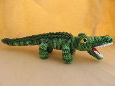Crochet alligator