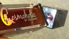 This could be the single most brilliant thing to have on a lip gloss container. PLUS the gloss is fabulously pigmented!   #lipgloss #cosmoholic #giuliano