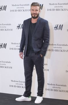 Εικόνα από http://i3.cdnds.net/15/12/618x954/david-beckham-h-m-spain-2.jpg.