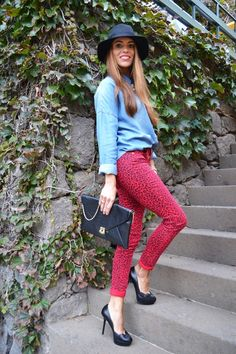 Red Leopard Print Jeans- don t like the outfit but the jeans are cool. Mamen-Must  Have González López b7208d5d4f9