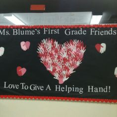 Such a cute bulletin board -- for Valentines day. Do our PTA loves to give a helping hand. Use the pta board or just members hands. February Bulletin Boards, Valentines Day Bulletin Board, Church Bulletin Boards, Preschool Bulletin Boards, Classroom Bulletin Boards, Classroom Door, I Love School, School Displays, Preschool Projects