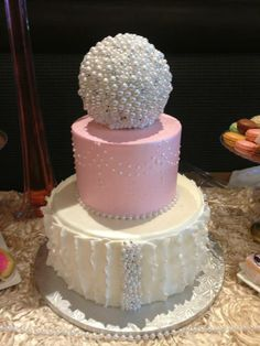 Perfect bridal shower cake by Dearborn Sweets