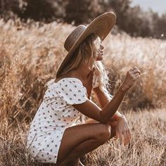 Always catching the last glimmer of light at the end of the day✨✨ sweet lil dress by 💛 People Photography, Creative Photography, Portrait Photography, Fashion Photography, Danielle Smith, Clothing Staples, Jupe Short, Photoshoot Themes, Outdoor Shoot