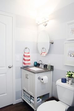 The Little Bathroom Update That Could... - IHeart Organizing...love this vanity...small enough that it could possibly work in our bathroom?
