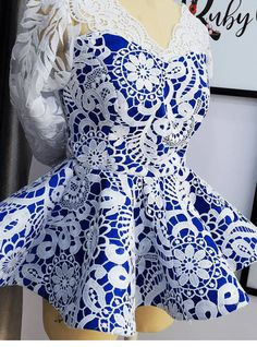 African Party Dresses, African Lace Dresses, Latest African Fashion Dresses, African Dresses For Women, African Print Fashion, Africa Fashion, African Attire, Lace Dress Styles, Blouse Styles