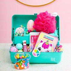 Easter Beauty Gifts (Teen Girls Will Love) - conceptual. Tween Gifts, Gifts For Teens, Diy Gifts, Easter Gift For Adults, Easter Gift Baskets, Easter Traditions, Girls, Basket Ideas, Beauty