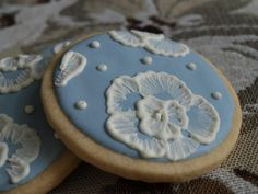 wedgewood blue cookies - so very few people in my life would understand/appreciate these :P