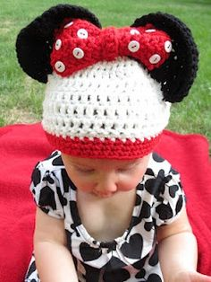 crocheted minnie mouse hat   Minnie Mouse Crochet and knits and others