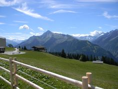 Auf dem Penken bei Mayrhofen. Blick zum Ahorn. Most Beautiful, Beautiful Places, Austria, Mountains, Nature, Travel, Mayrhofen, Naturaleza, Viajes