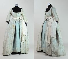 Rare circa 1775 robe a l 'anglaise gown in floral-patterned sage green silk with its original quilted robin's egg blue silk petticoat and
