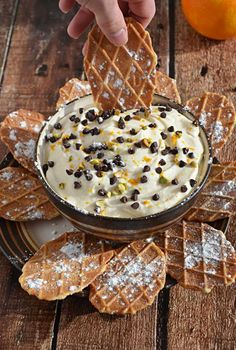 Cannoli Dip!  This guilt free recipe is delicious and NO ONE can believe that it's lightened up! | blog.hostthetoast.com