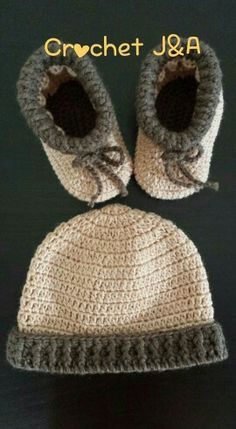 Crochet baby bootie & hat