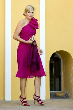 I love how Maxima can carry bold colors and designs and look so stylish.
