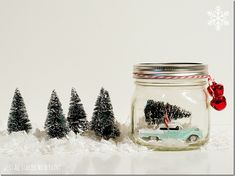 These mason jar gift ideas are awesome.  I really need to make some of these for neighbors and friends this year.  They look really easy to put together!