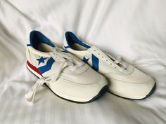 f74560d546 CONVERSE Vintage Running Shoes OLYMPICS branded Men s 9.5 M NEVER USED
