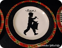 Winder and Main : Tis the Season, Day Guest Post by Michelle at It's a Wonderfilled Life. 1st Christmas, Christmas Projects, Holiday Crafts, Winter Party Themes, Boy Silhouette, Diy Cans, Painted Plates, All Holidays, Christmas Printables