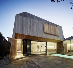 Coy Yiontis Architects : House 3 - ArchiDesignClub by MUUUZ - Architecture & Design Architecture Extension, Architecture Résidentielle, Australian Architecture, Beautiful Architecture, Contemporary Architecture, Australia House, Melbourne Australia, Old Victorian Homes, Timber Cladding