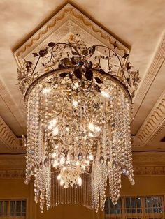 Luxury classic chandelier for large mansion  👇 download royal catalog 👇