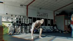 Kettlebell half snatch double kettlebell via GIPHY Pumping Iron, Gym Workout Tips, Kettlebell, Fitness Tips, Exercises, Training, Men, Fitness Hacks, Exercise Routines
