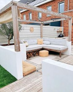 knusse buiten zitplek - Best Picture For Pergola pool For Your Taste You are looking for something, and it is going to te - Back Gardens, Outdoor Gardens, Outdoor Life, Outdoor Living, Pergola Attached To House, Interior Garden, Outdoor Seating, Garden Inspiration, Garden Design