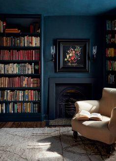 Rose Uniacke, Snug Room, Rustic Wooden Table, Floor Sitting, London House, Georgian Homes, Drawing Room, Historic Homes, White Walls