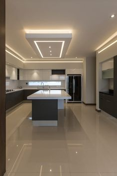 Designing a modern kitchen area? Be influenced by this selection of contemporary kitchen areas to choose the very best coatings, products and accessories for your new room Kitchen Ceiling Design, House Ceiling Design, Ceiling Design Living Room, Luxury Kitchen Design, Kitchen Room Design, Home Room Design, Luxury Kitchens, Home Decor Kitchen, Interior Design Kitchen