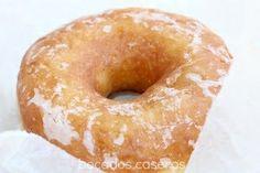 RECETA AUTÉNTICA DE DONUTS CASEROS (Exactos al original) Donut Recipes, Mexican Food Recipes, Sweet Recipes, Dessert Recipes, Cooking Recipes, Delicious Desserts, Yummy Food, Sugar Donut, Homemade Donuts
