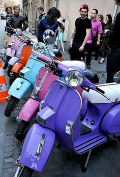 vespa (i want ALL the colors)
