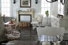 FARMHOUSE 5540: Family Room Part Three. EVERY picture on this blog is beautiful. I want to sit in this room