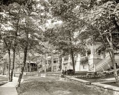 Shorpy Historic Picture Archive :: Leafy Enclave: 1906 high-resolution photo
