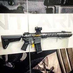 Salient Arms International GRY (AR15) SBR. Photo by @hawkarms