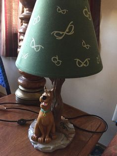 """Scooby Doo Haunted Bayou Tree Lamp & Orig Shade Hanna Barbera - Warner Bros Preowned in very good condition. Lamp height including shade 17"""" Weight including shade 4 pounds Thanks for looking. 