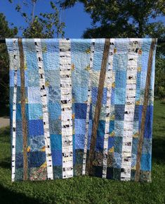 - Land of the Silver Birch Art Quilt I just can't seem to get enough of these birch tree quilts! I have had a few people ask me to write a pattern and give a class for my birch tree quilts, Tree Quilt Pattern, Quilt Patterns, Pattern Paper, Quilting Projects, Quilting Designs, Art Quilting, Quilt Art, Quilting Ideas, Modern Quilting
