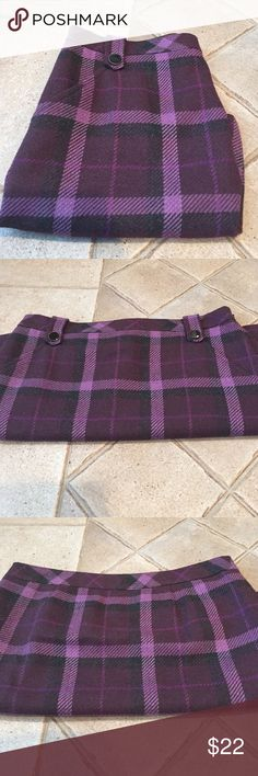 """Loft Skirt Shell is 56% polyester  31% acrylic 3% wool  10% other fibers. Lining is100% polyester  length is almost 18"""" across the top laying flat is 16"""" and 20"""" across the bottom   Side zipper two pockets in front LOFT Skirts"""
